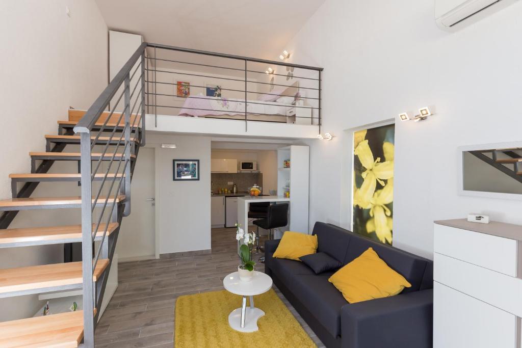 Apartments Pomet