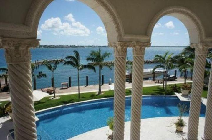 Amazing Venetian Style 5br Luxury Villa With Private Marina Dock Paradise Island Ocean Club In Nassau Bahamas Bewertungen Preise Planet Of Hotels