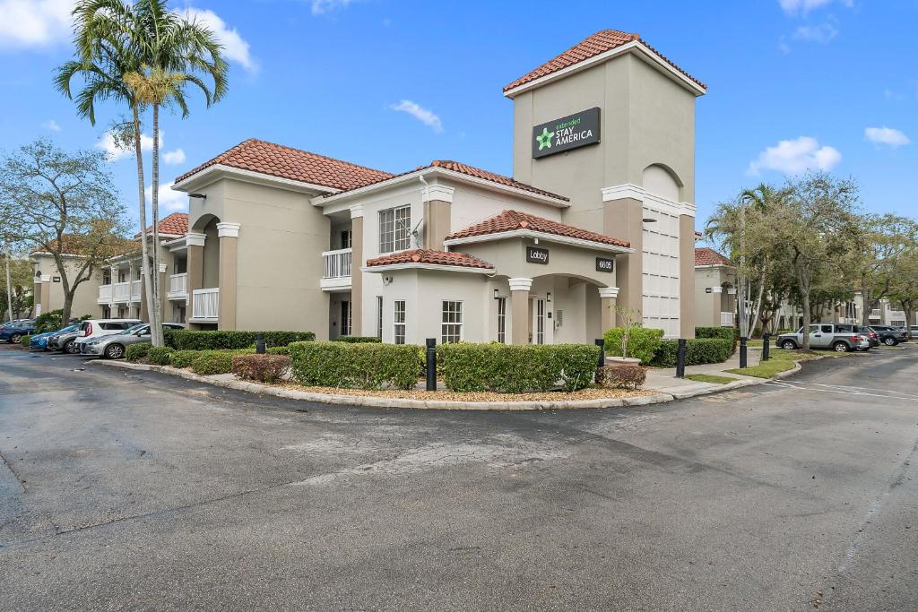 Extended Stay America Suites - Miami - Airport - Blue Lagoon