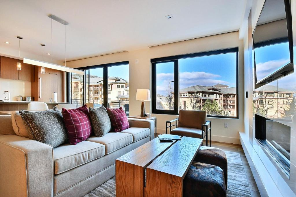 New & Luxury 1BR Residence in Canyons Village- Ski in ski out! condo