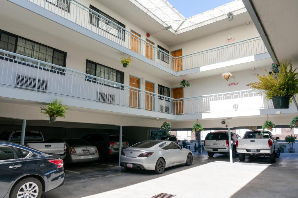 Hotel Nob Hill Motor Inn