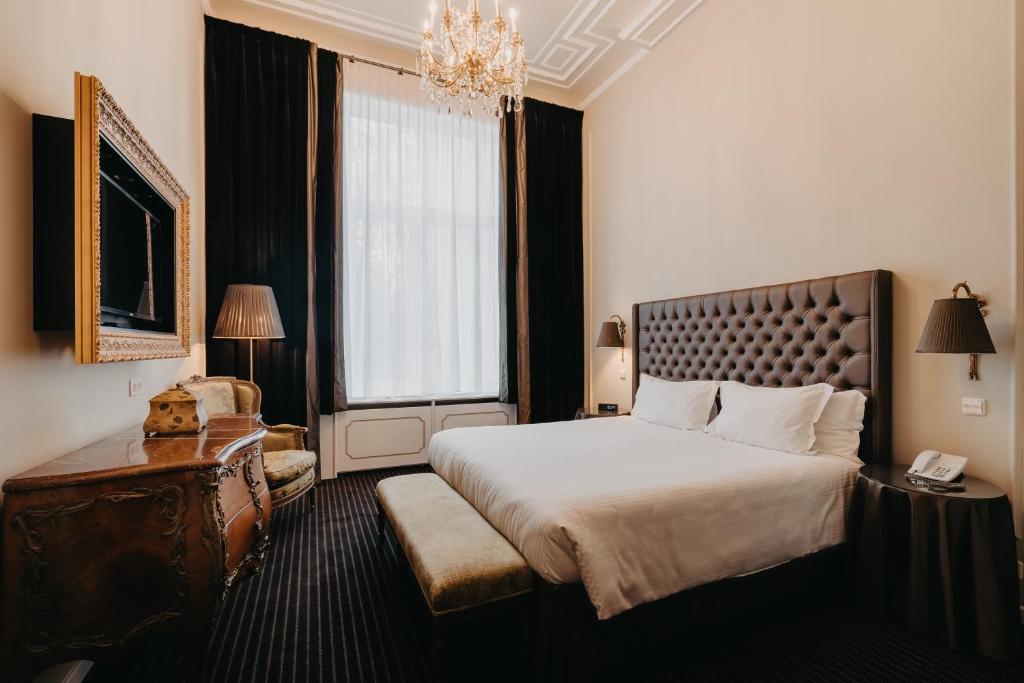 Hotel Manos Premier