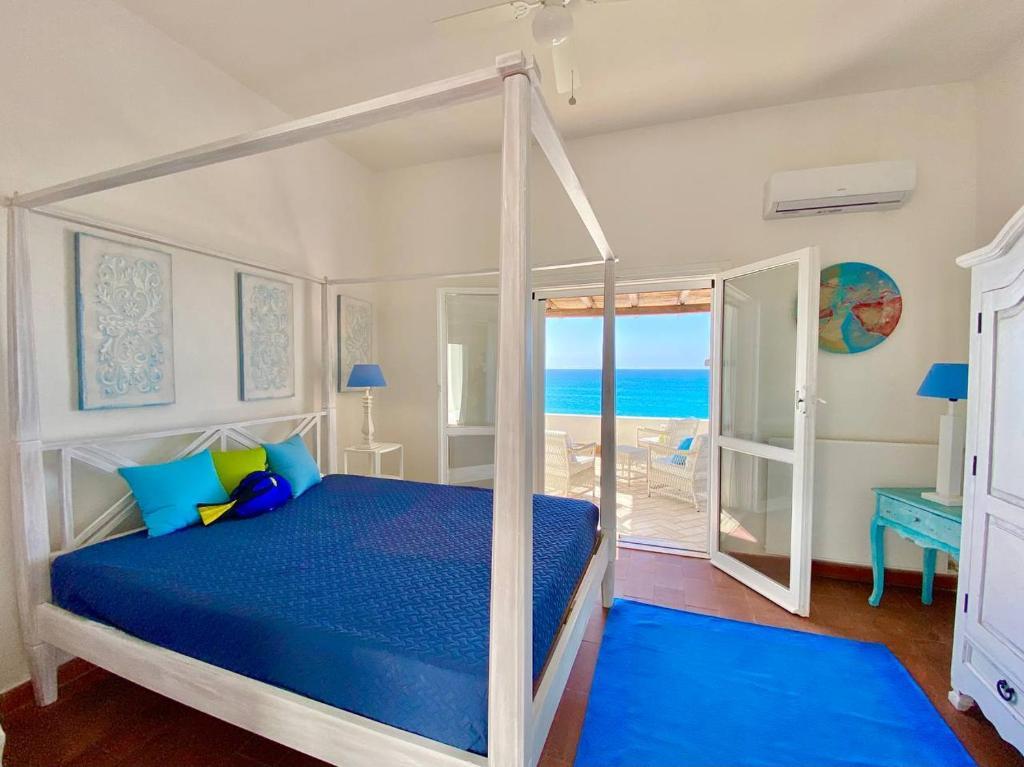 Beachfront House Geremeas Sardegna image1