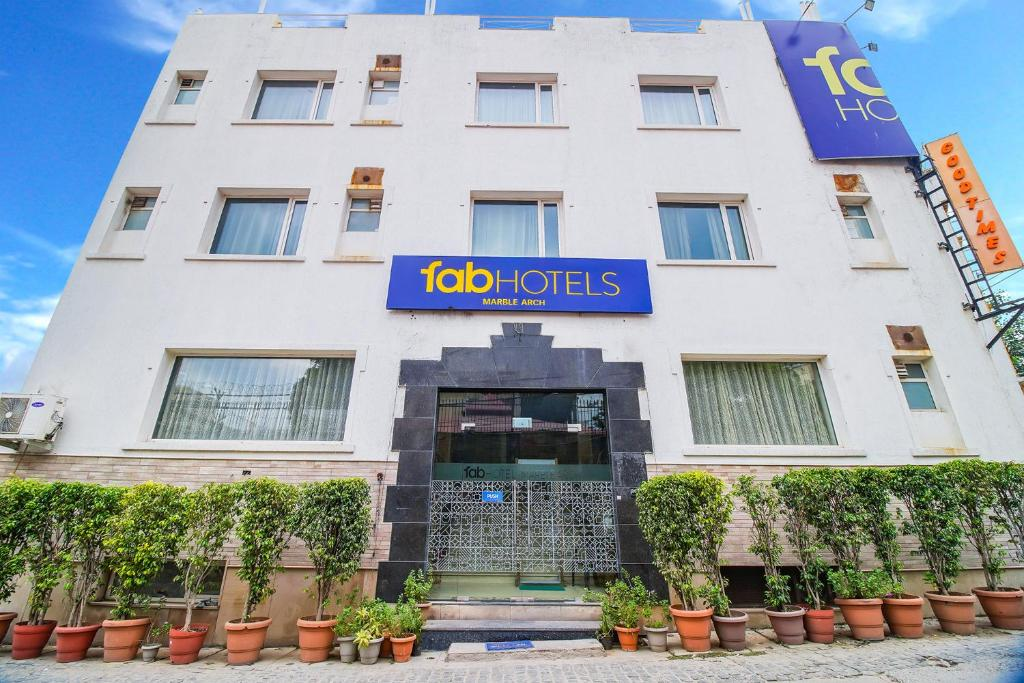 FabHotel Marble Arch - Fully Vaccinated Staff