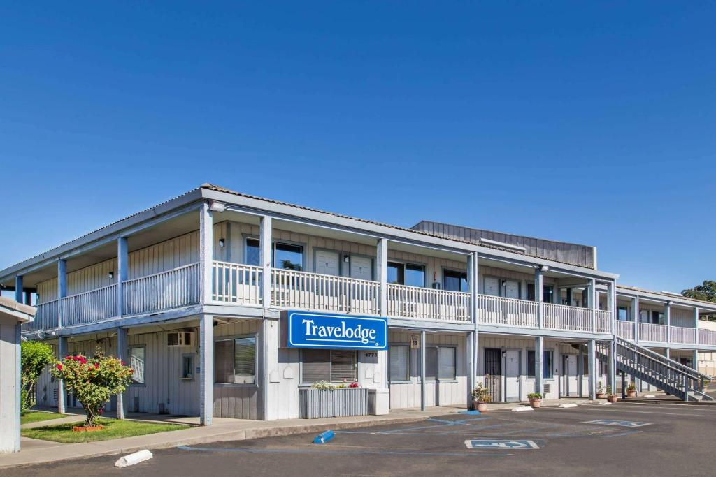 Travelodge by Wyndham Clearlake