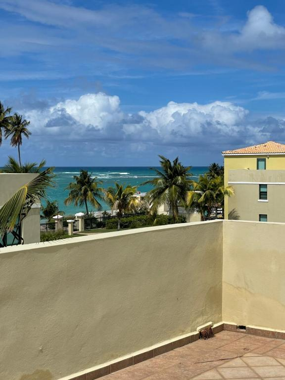Rooftop Oasis with Oceanfront Breeze