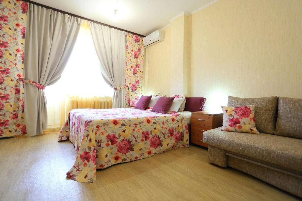"flat-all 61 Kropotkina двухкомнатная квартира с паркингом до 9 мест рядом с ТРЦ ""Галерея Чижова"""