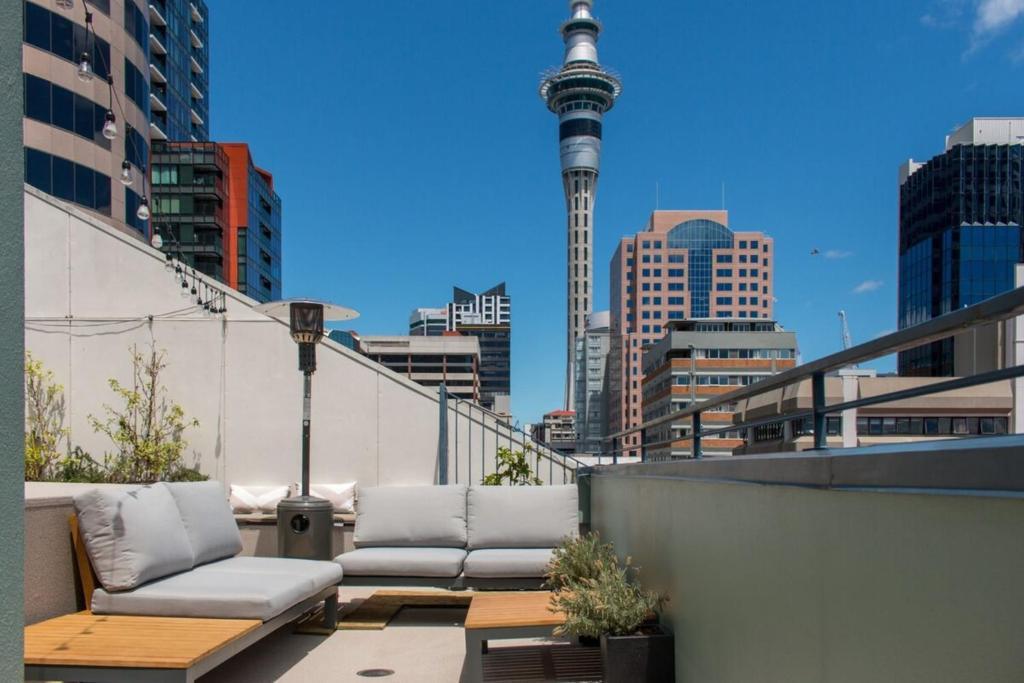 Penthouse Apartment Grand Balcony Harbour Views