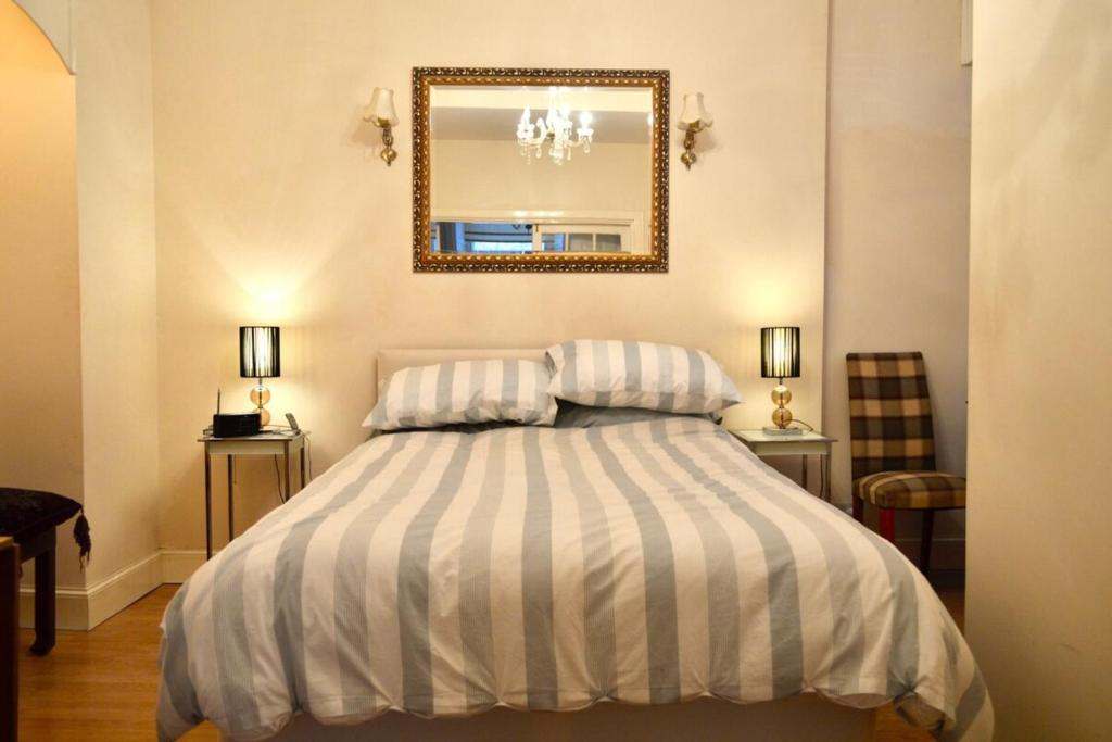 Homely Comfortable 2 Bed in historic Rose Street