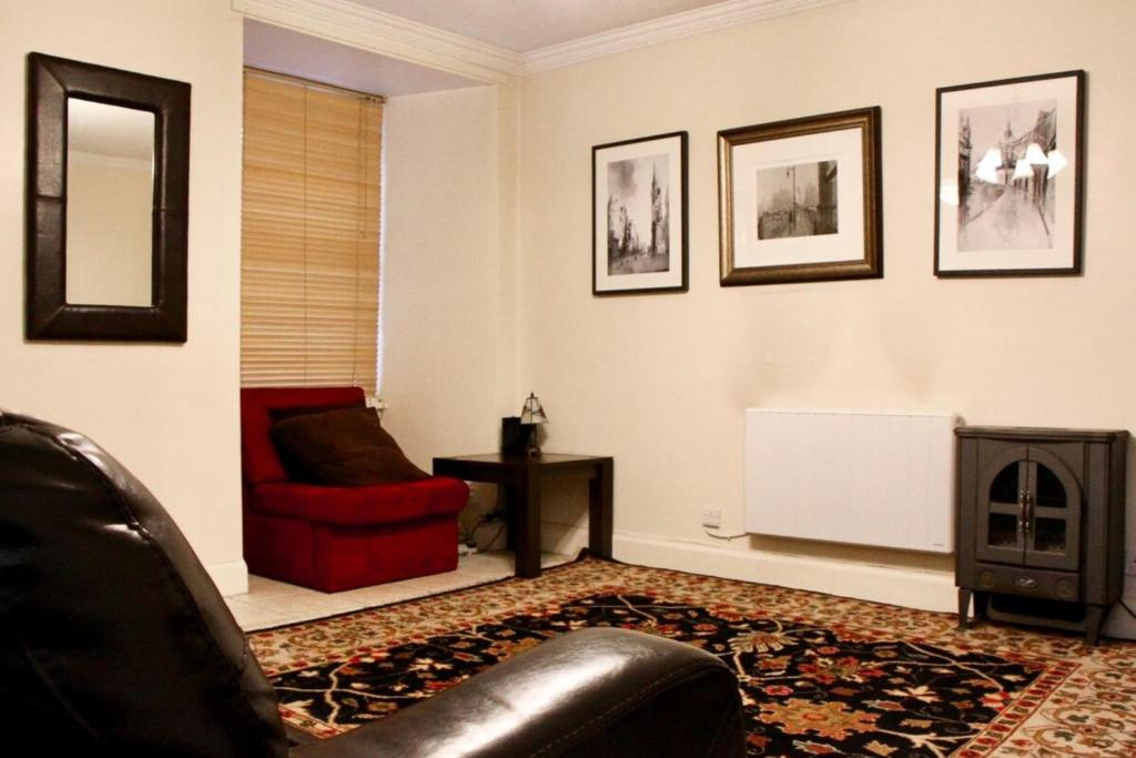 Comfortable Studio in the Heart of Old Town! SALE!
