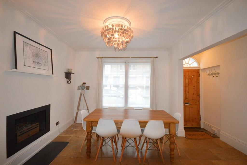 Townhouse in Clifton Village - R&R Guesthouse #3