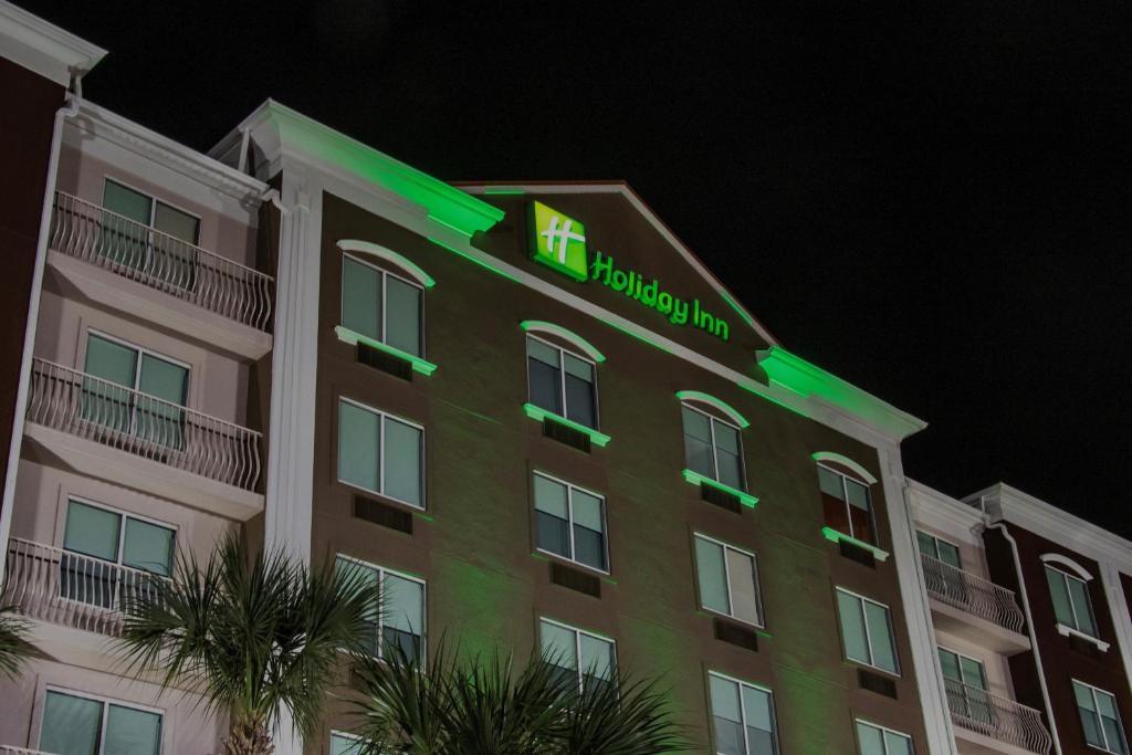 Holiday Inn Hotel & Suites Lake City, an IHG Hotel