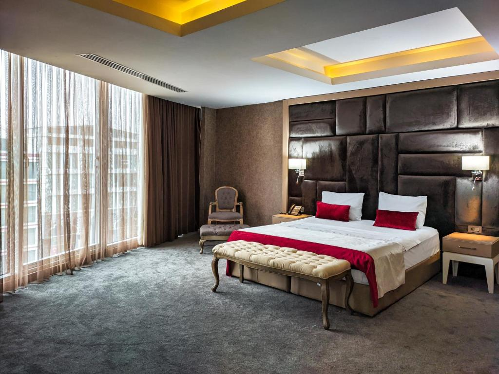 Sky Hotel Baku