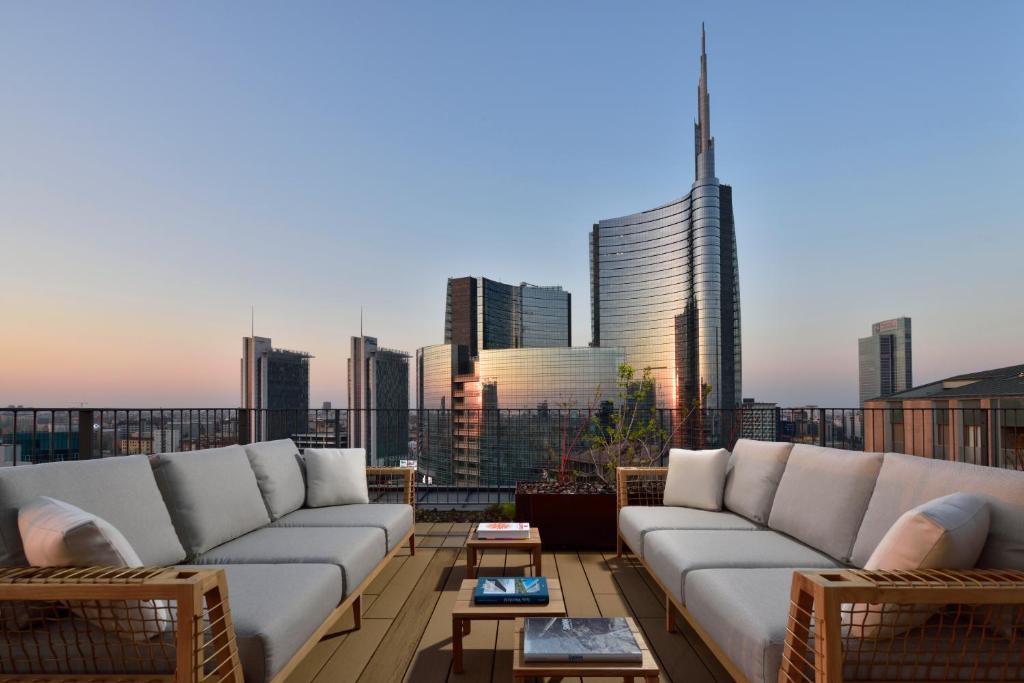 Milano Verticale   UNA Esperienze
