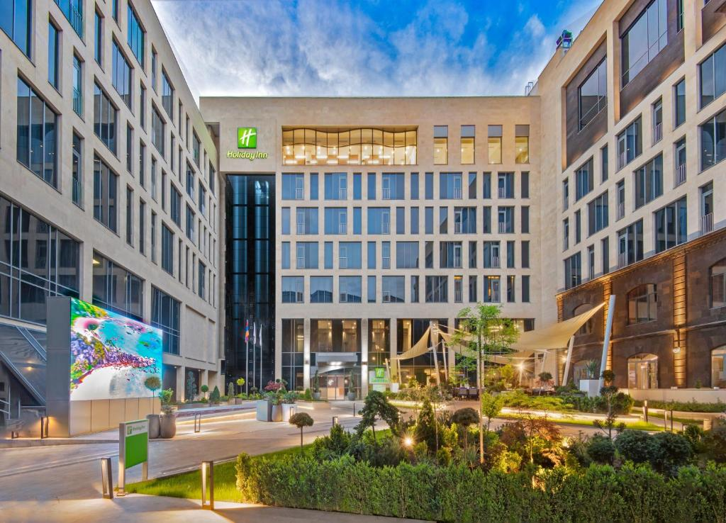 Holiday Inn Yerevan - Republic Square, an IHG Hotel
