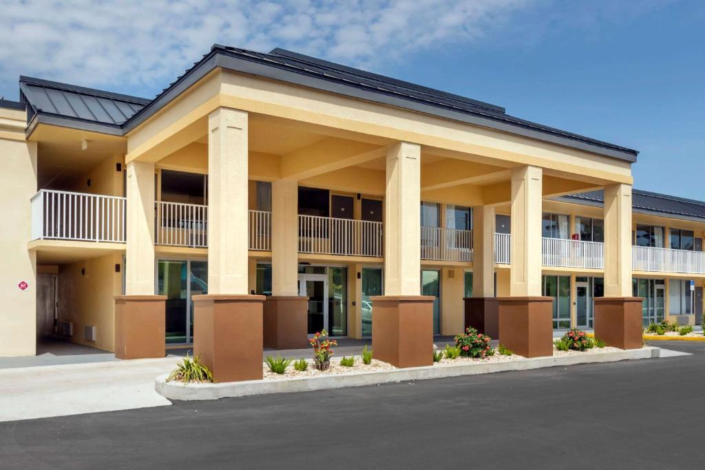 Quality Inn Saint Petersburg North-Tampa Bay