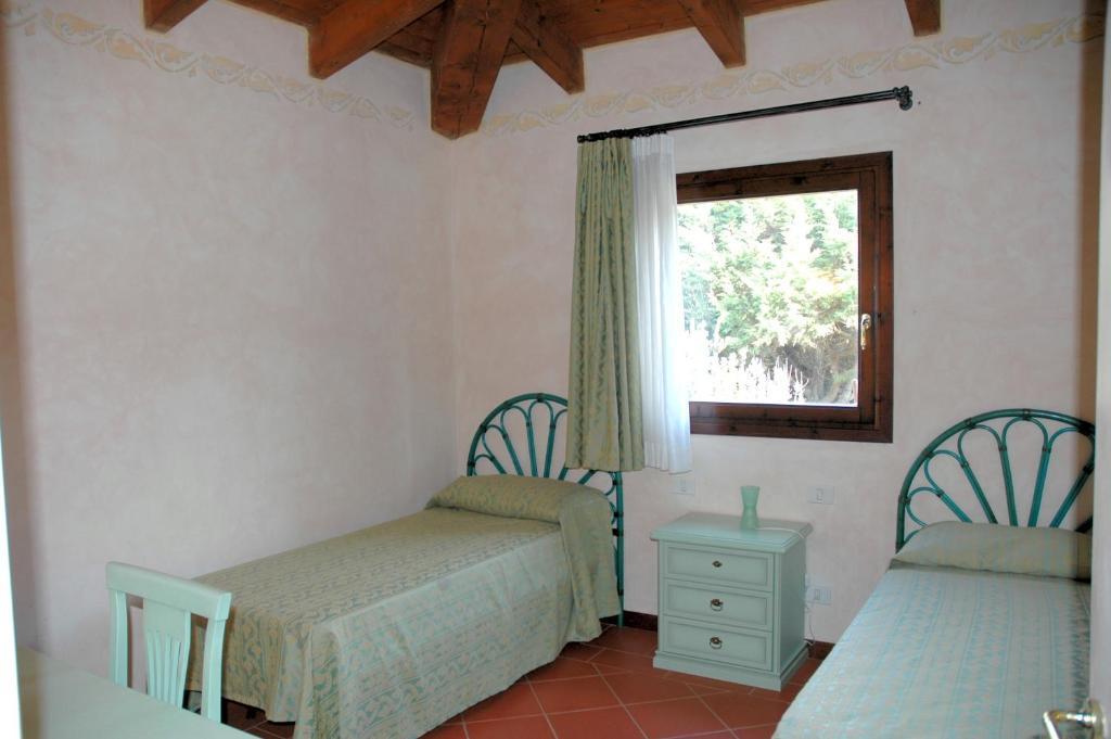 Villa Sirena Villa Sleeps 6 Pool WiFi img11