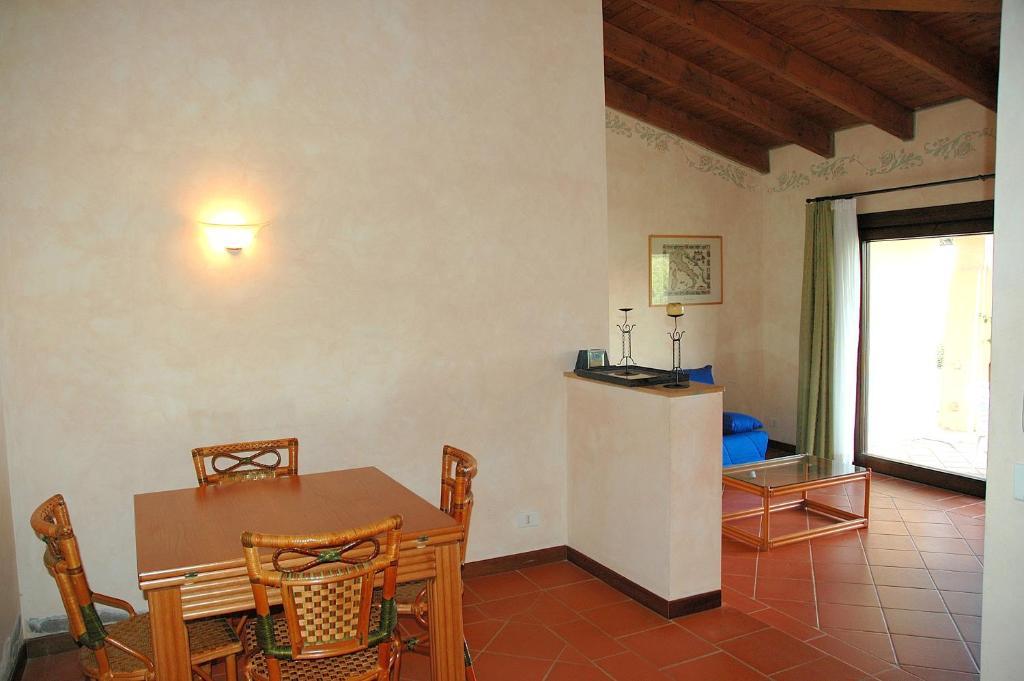 Villa Sirena Villa Sleeps 6 Pool WiFi img13