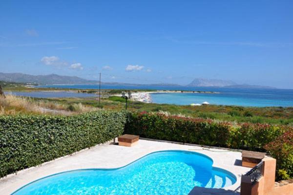 San Teodoro Villa Sleeps 14 Pool Air Con WiFi bild1