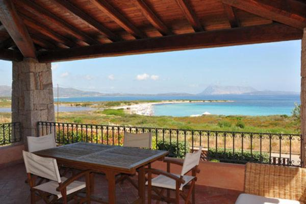 San Teodoro Villa Sleeps 14 Pool Air Con WiFi bild2