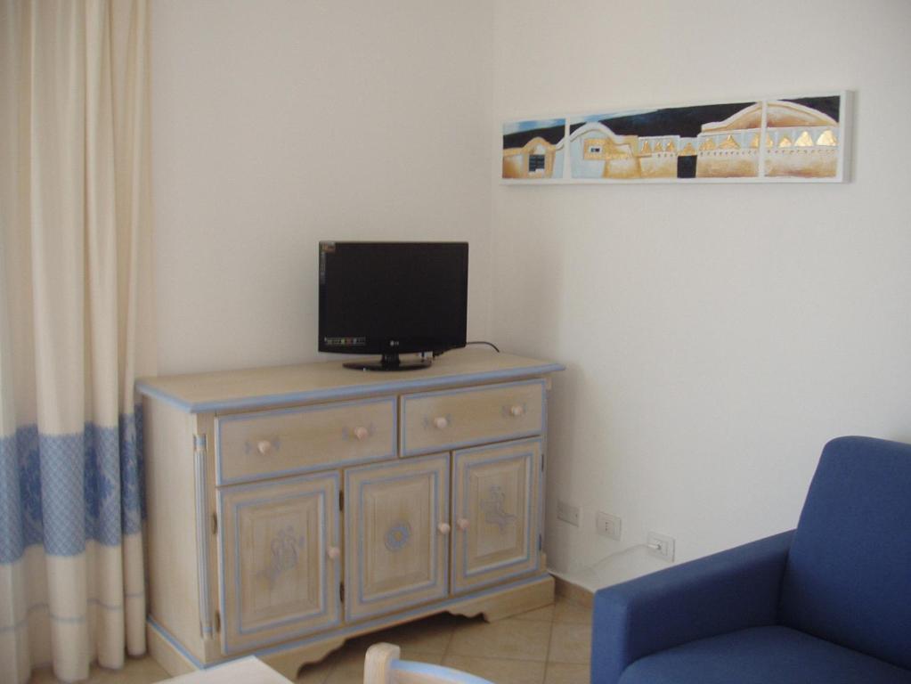 Budoni Villa Sleeps 6 Pool Air Con WiFi img5