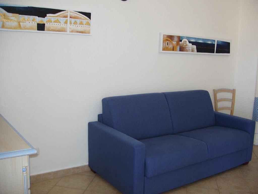 Budoni Villa Sleeps 6 Pool Air Con WiFi img8