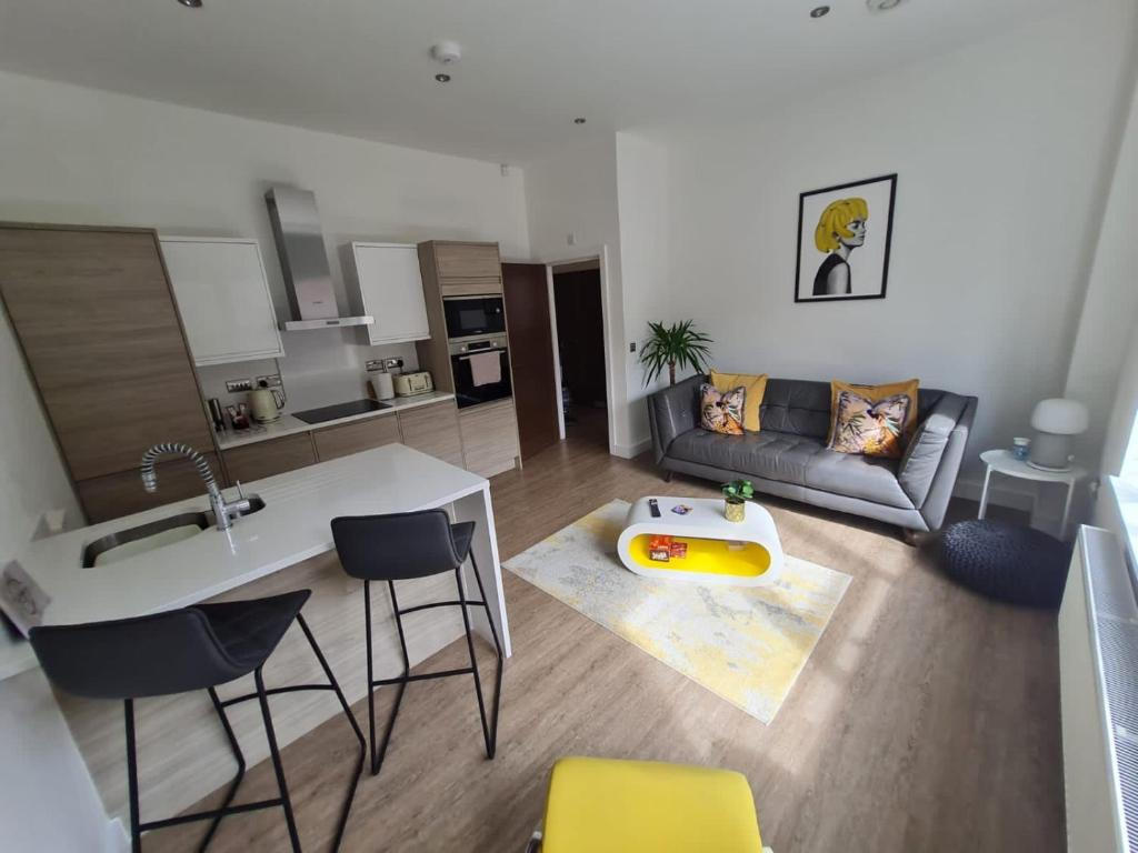 3 Cuppin Street - luxury city centre apartment!