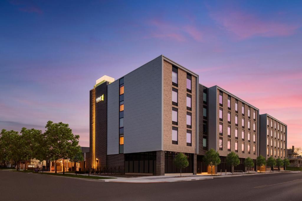 Home2 Suites by Hilton Des Moines at Drake University