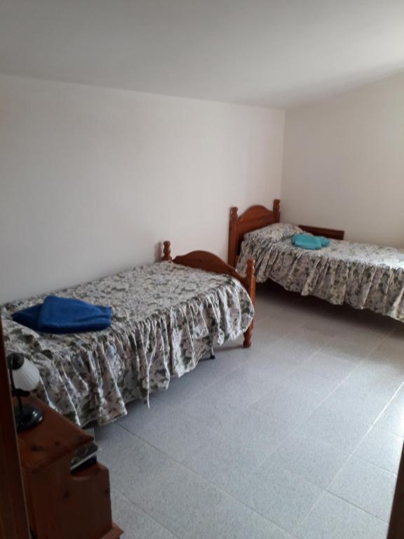 Spacious attic apartment img8
