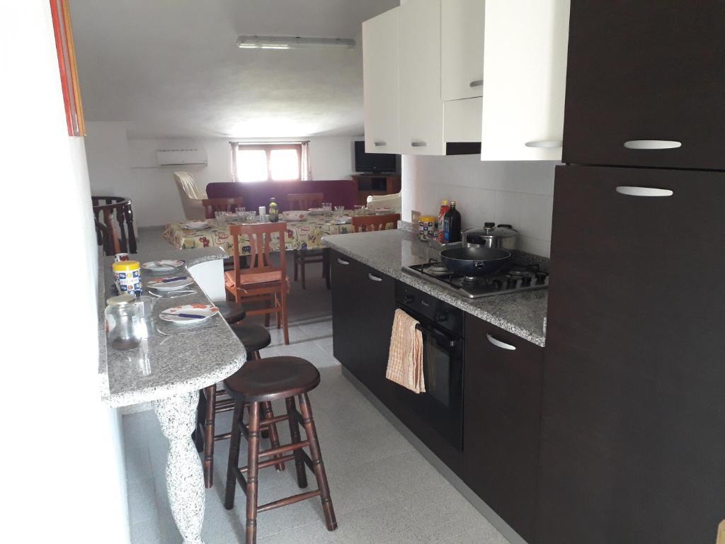 Spacious attic apartment img3