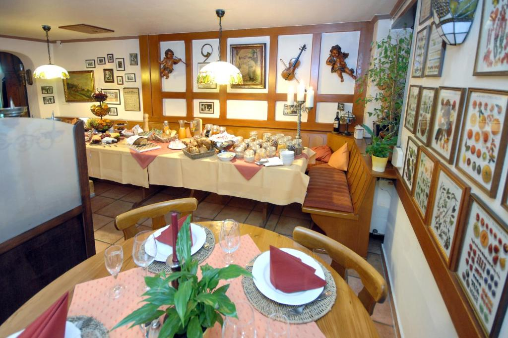Hotel Haus am Weinberg - Maikammer - book your hotel with