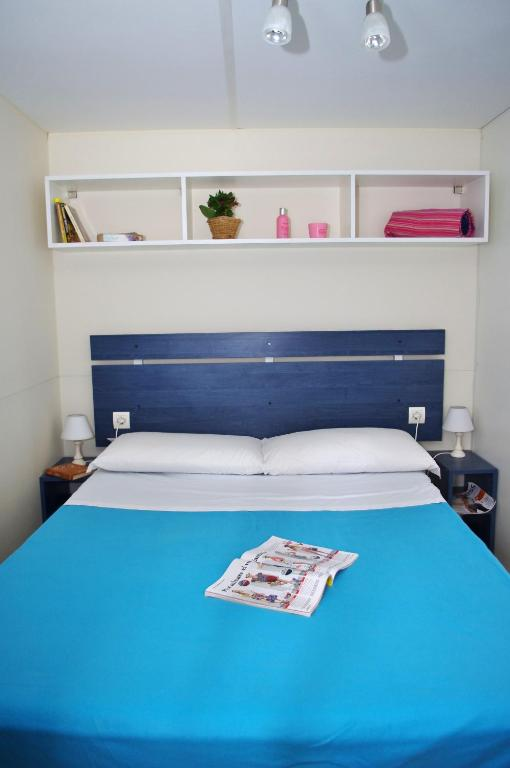 One Mobile Home Room Bed Html on one bed room, one bed studio, one man mobile home, one bed truck, one bed apartment, two bed mobile home,
