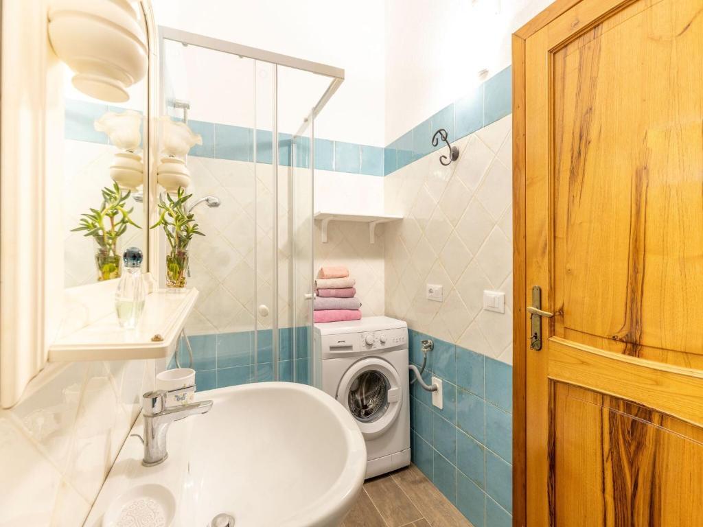 Sprawling Apartment in Cala Gonone near Cala Fuili Beach img21