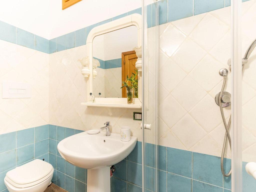 Sprawling Apartment in Cala Gonone near Cala Fuili Beach img20
