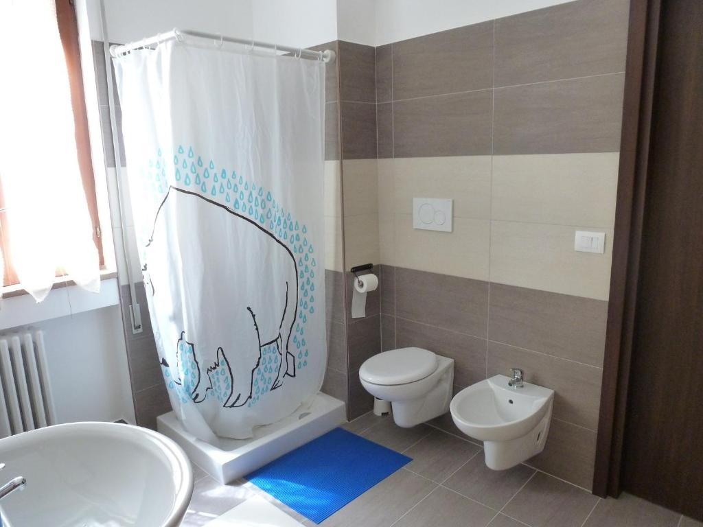 Double Room with Balcony and Shared Bathroom Olive Tree