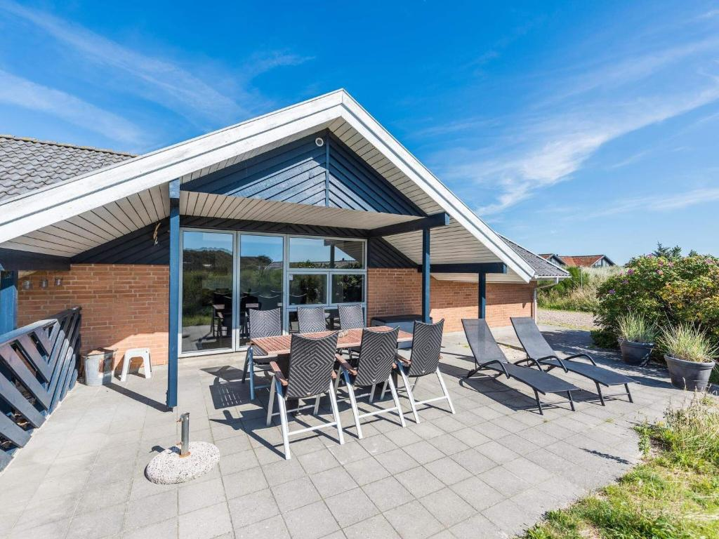 Holiday home Henne LXI