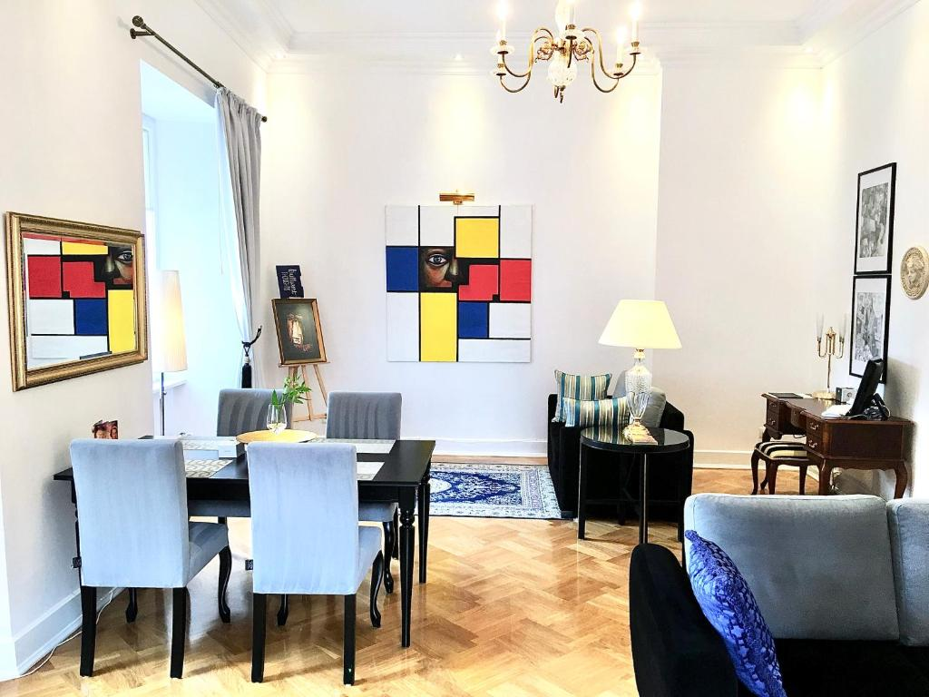 Luxury Suites & Apartments MONDRIAN Old Town