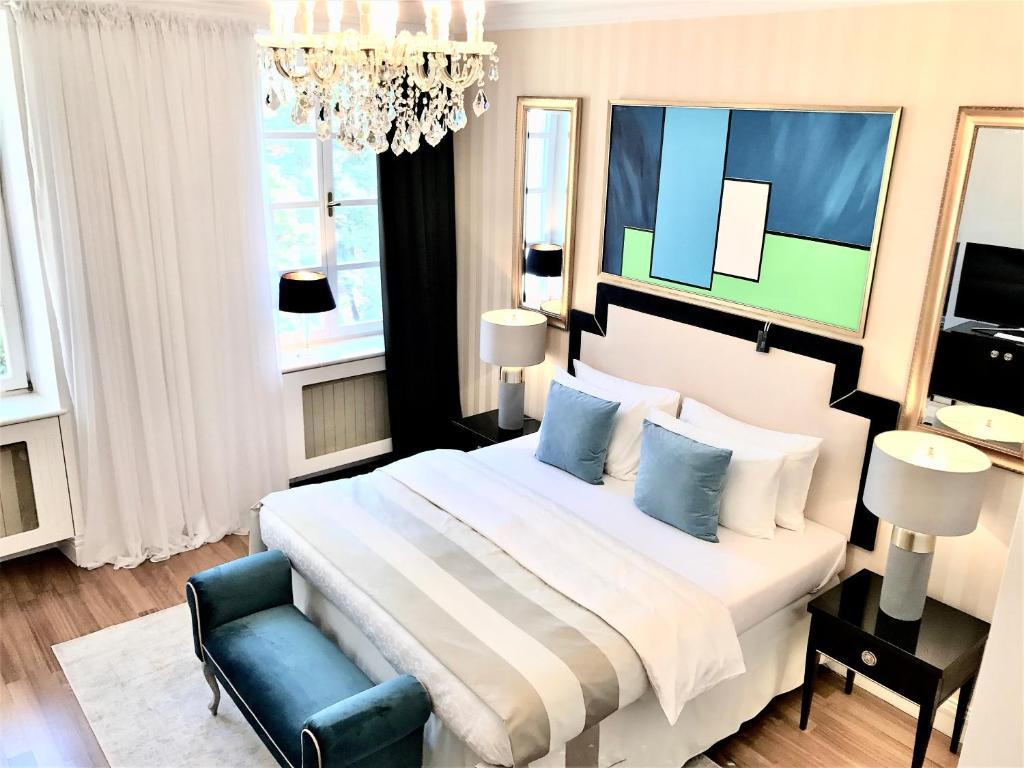 MONDRIAN Luxury Suites & Apartments Old Town Market Square I