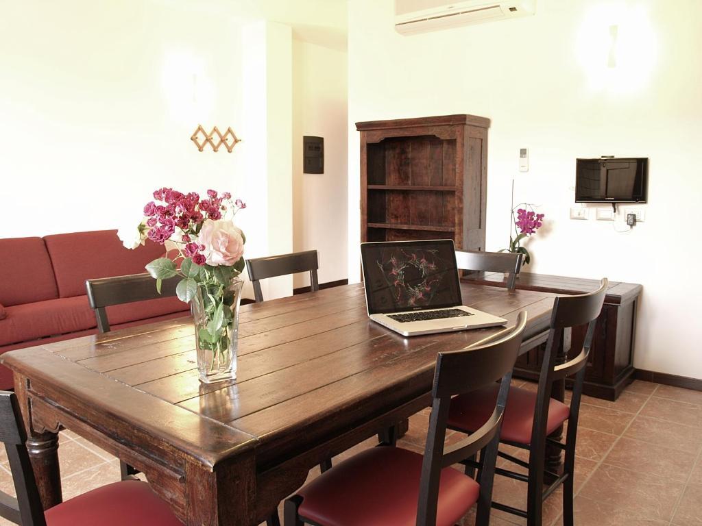 Residenza Locci Aparthotel image1