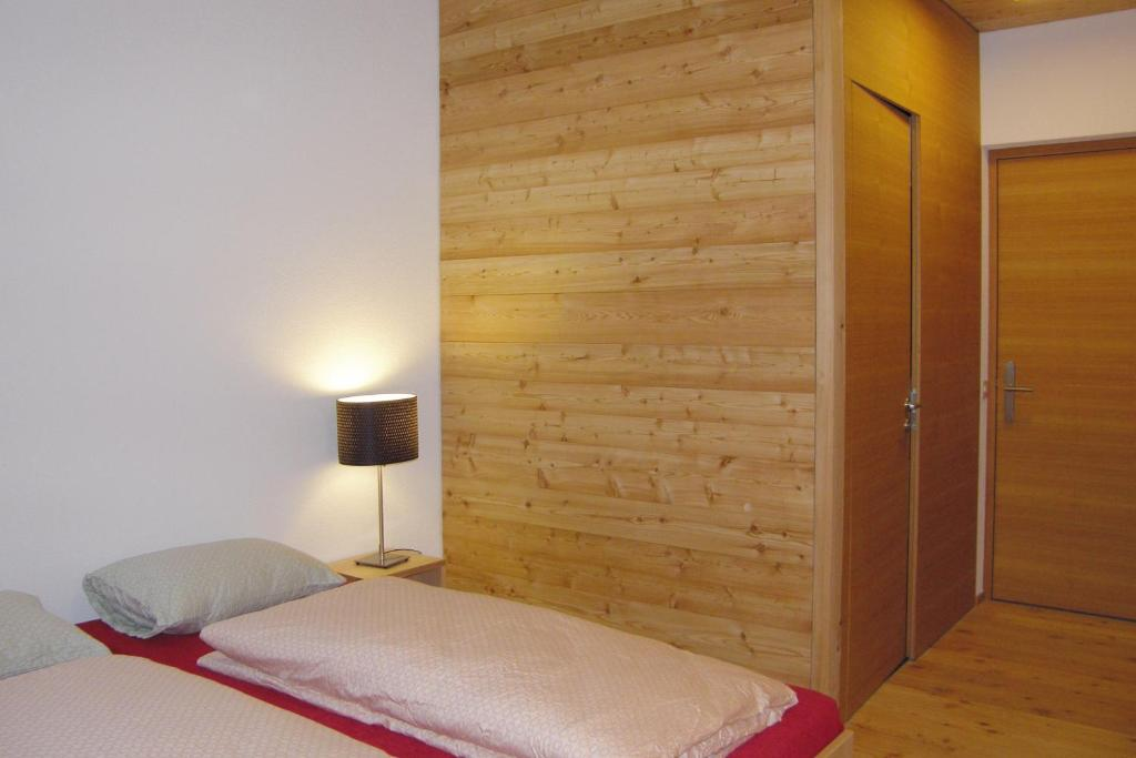Single Room with Shower Scuol Youth Hostel