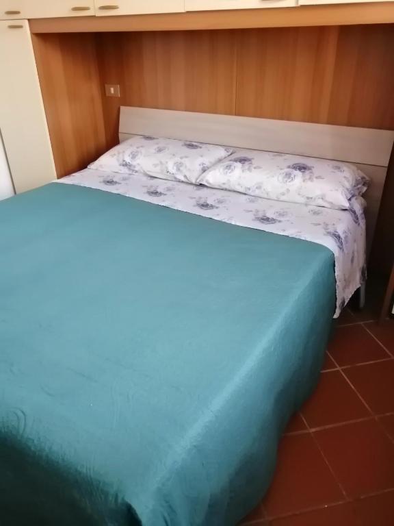 Marina Residence image1
