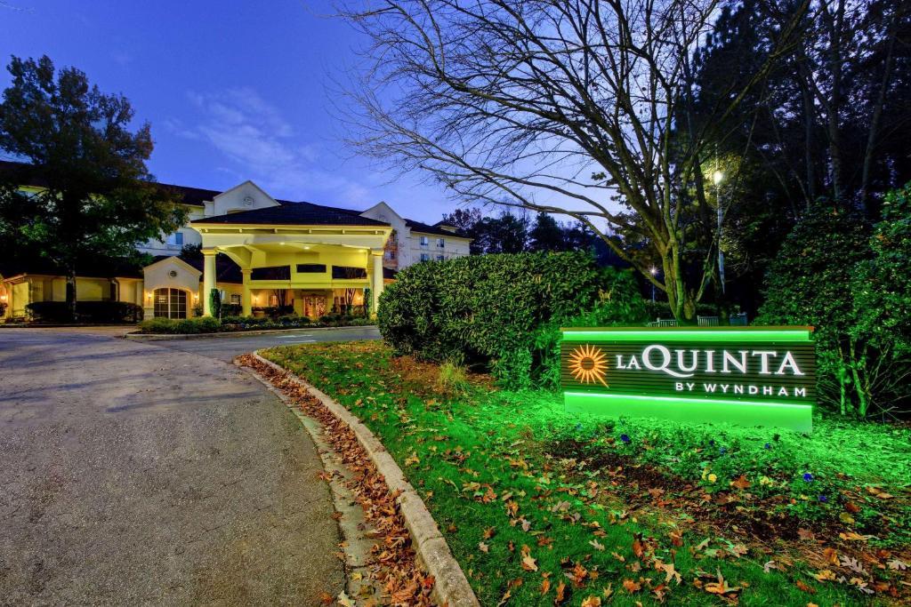 La Quinta by Wyndham Raleigh Crabtree