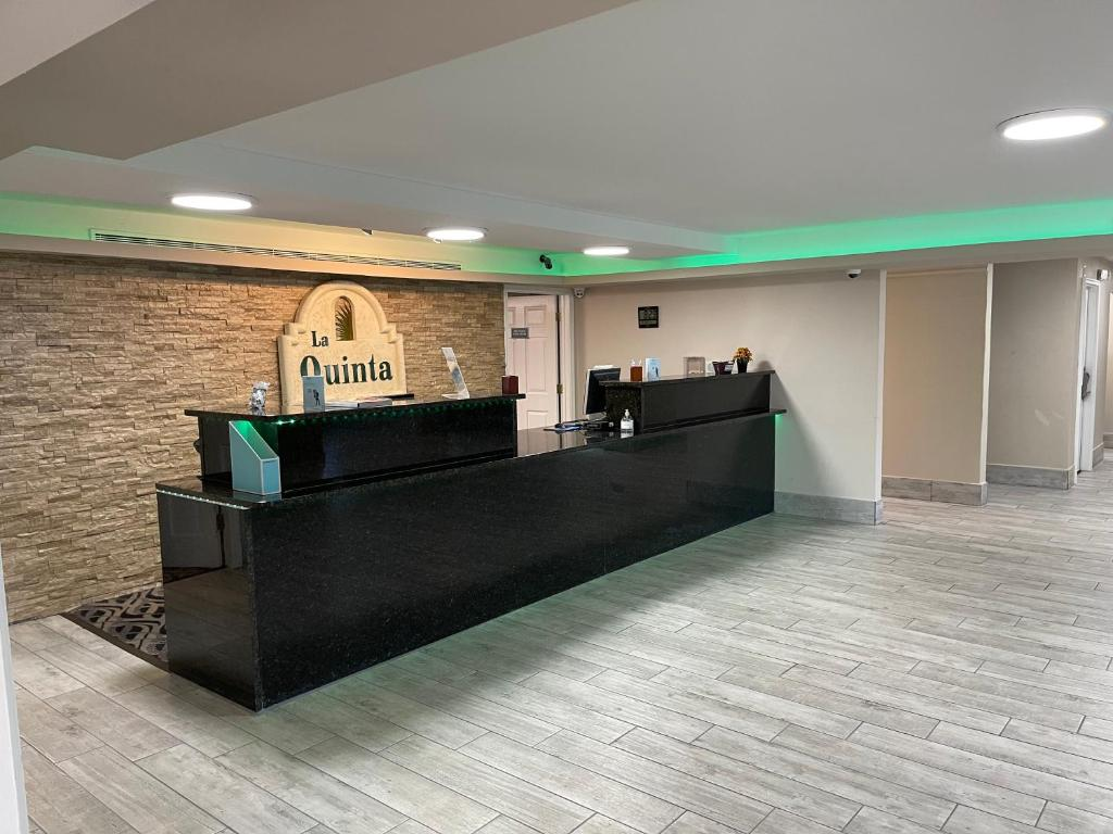 La Quinta Inn by Wyndham Indianapolis Airport Lynhurst