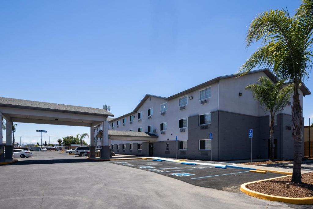 SureStay Plus Hotel by Best Western Hayward
