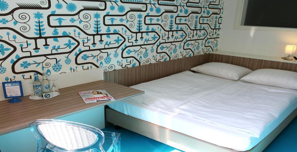 hotel madeleine biohotel saarbr cken reserva tu hotel con viamichelin. Black Bedroom Furniture Sets. Home Design Ideas