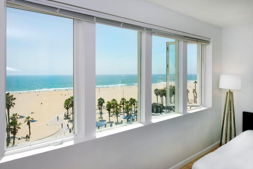 Снять апартаменты в лос-анджелесе четырехкомнатная квартира у моря в испании цена