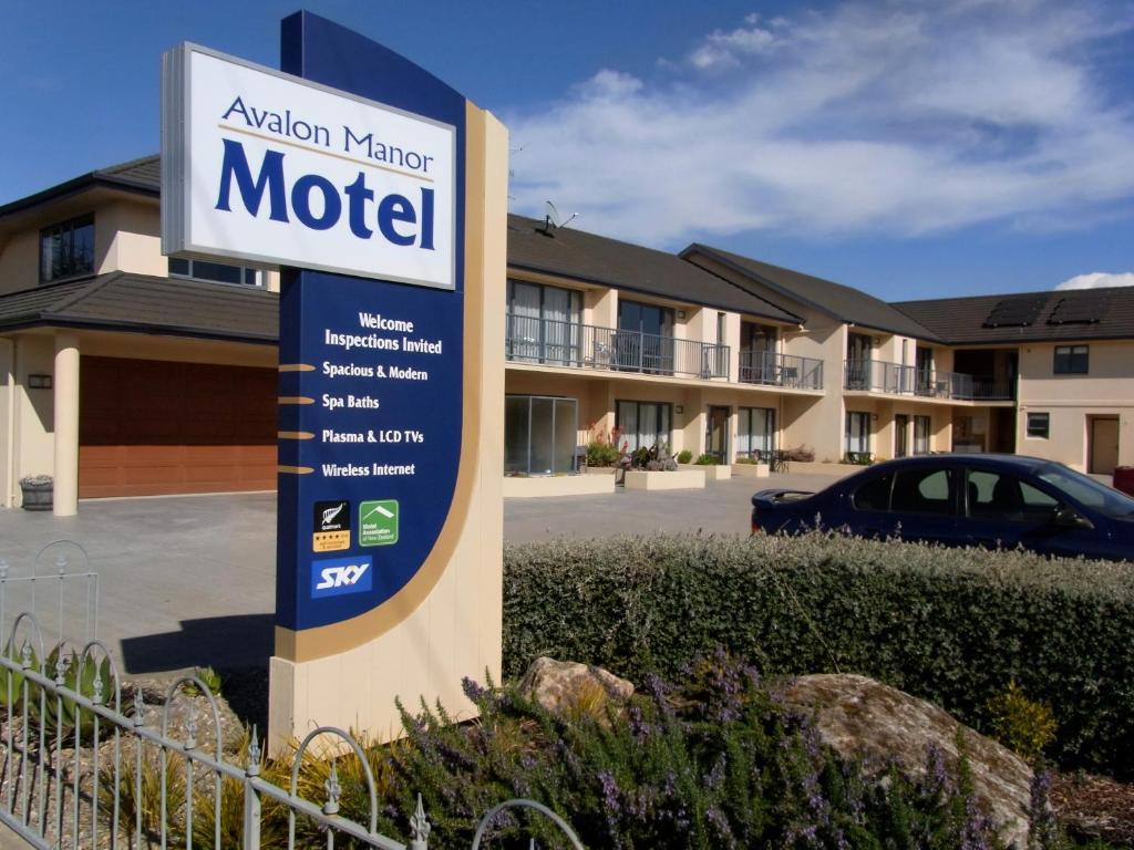 Avalon Manor Motel
