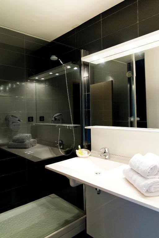 brit hotel saint brieuc langueux informationen und. Black Bedroom Furniture Sets. Home Design Ideas