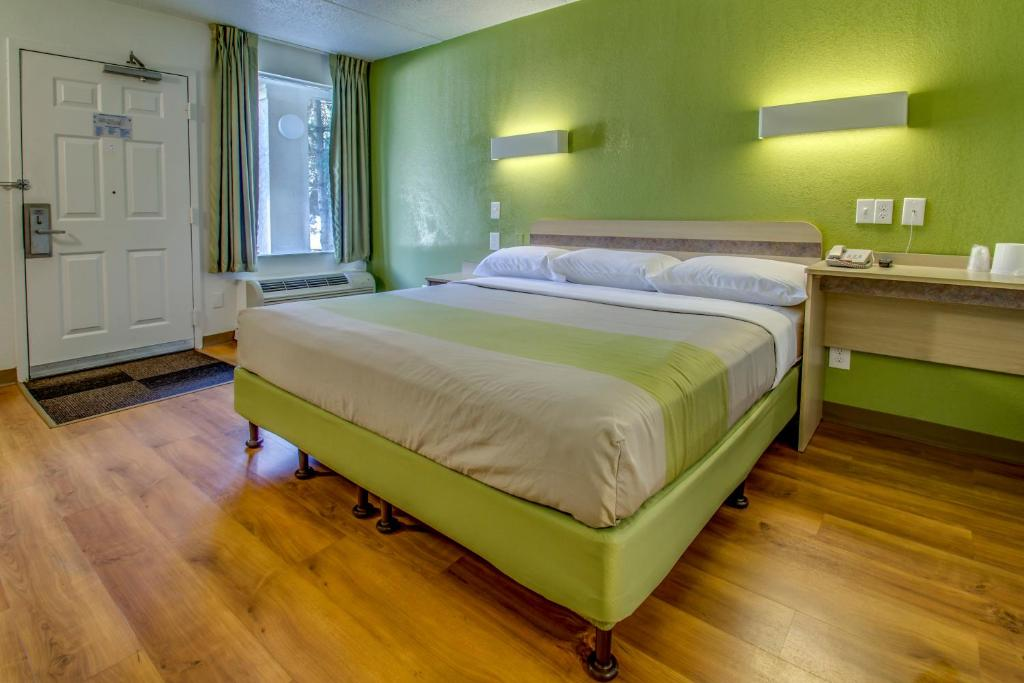 Buffalo Airport Hotels With Smoking Rooms
