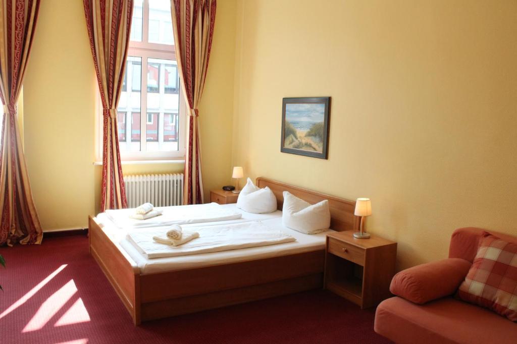 hotel pension fischer am kudamm berlijn viamichelin informatie en online reserveren. Black Bedroom Furniture Sets. Home Design Ideas
